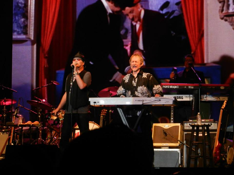 Micky Dolenz Peter Tork live 2014 Shades of Gray